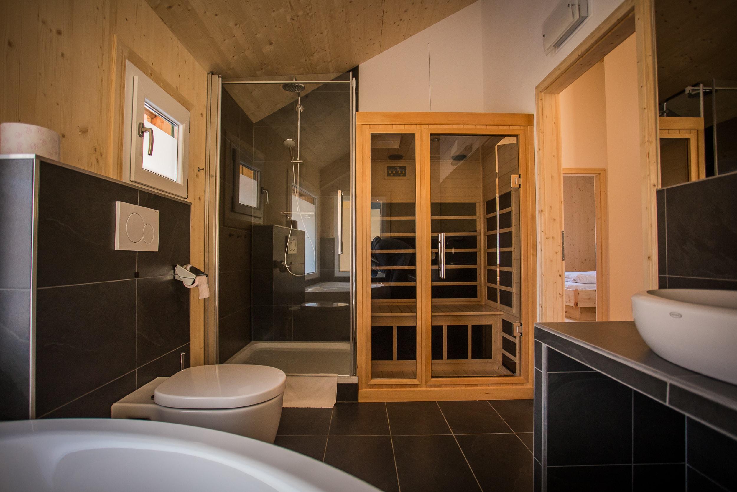 Badkamer met sauna